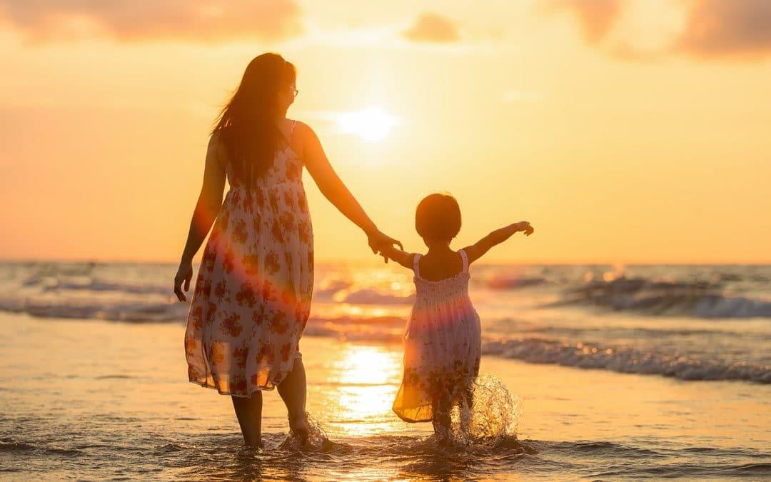 Naśladowanie rodziców – jak nasze zachowanie determinuje zachowanie dziecka?