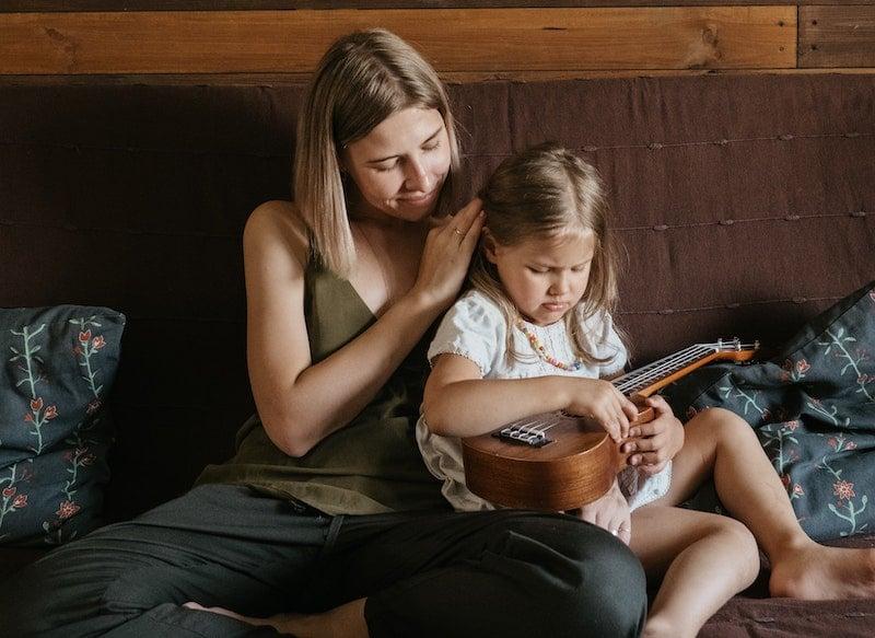 Aktywne słuchanie i jego korzyści (nie tylko) dla dziecka