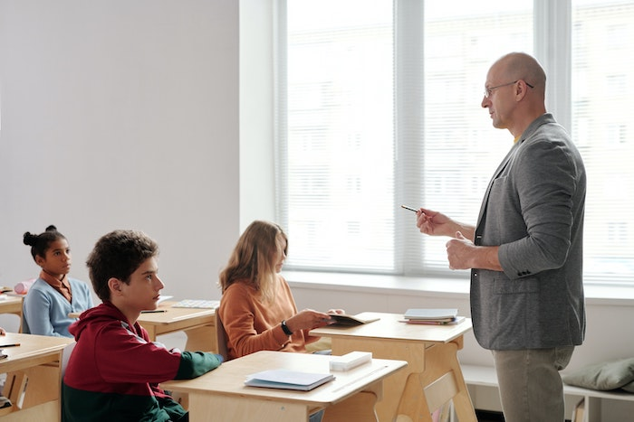 Inteligencja w szkole : w jaki sposób szkoła zaniedbuje rozwój potencjału uczniów?